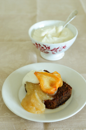 Spicy carrot loaf with pear puree and ricotta cream - gluten free