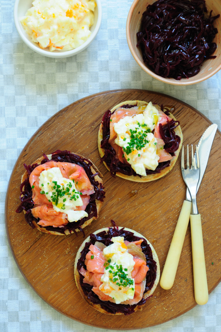 English muffins with smoked salmon, beetroot marmalade and egg mayo