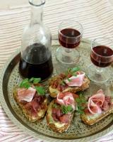 Bruschetta with fig-onion marmalade, blue cheese & prosciutto